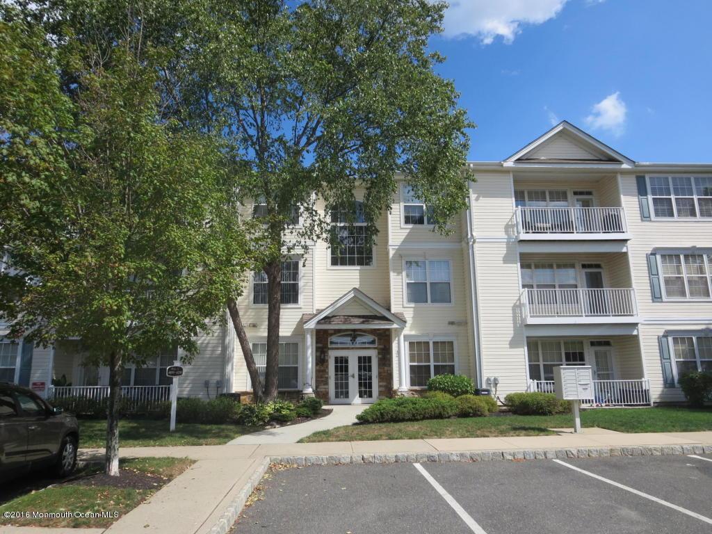 700  Saint Andrews Place,  Manalapan, NJ