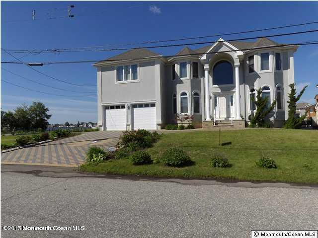 9  Mermaid Road,  Toms River, NJ