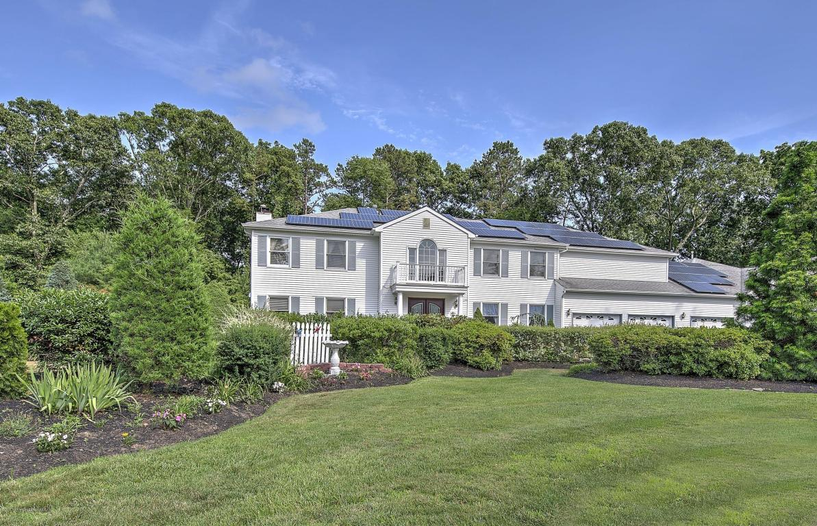 12  Golden Way,  Howell, NJ