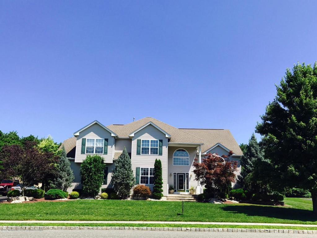 8  Woodview Drive,  Howell, NJ