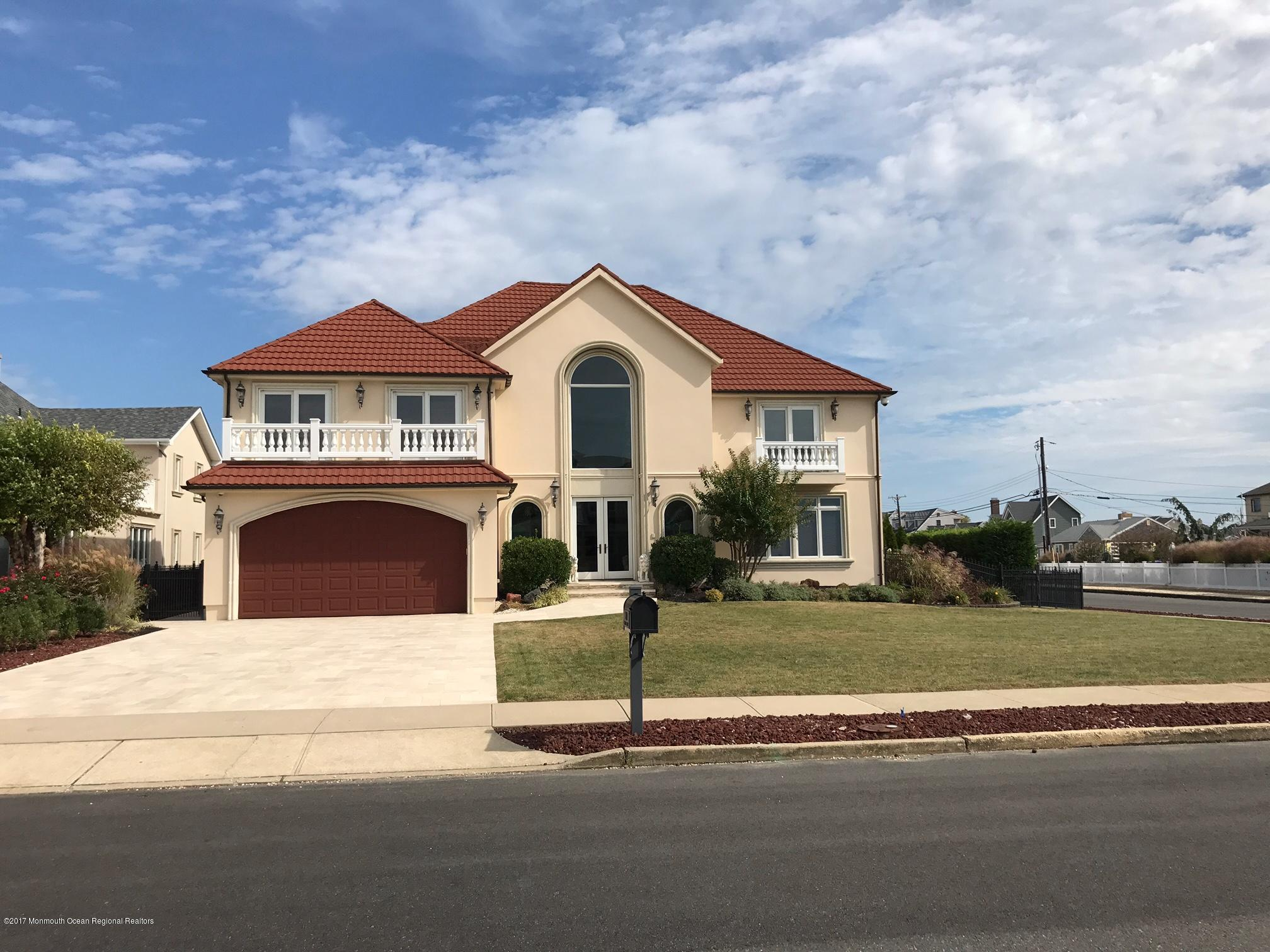 220  Pointe Drive,  Mantoloking, NJ