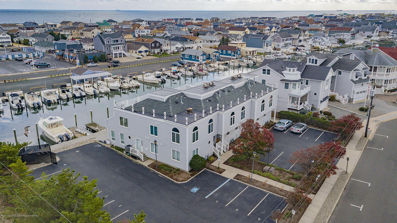 100  Riverside Place,  Point Pleasant Beach, NJ