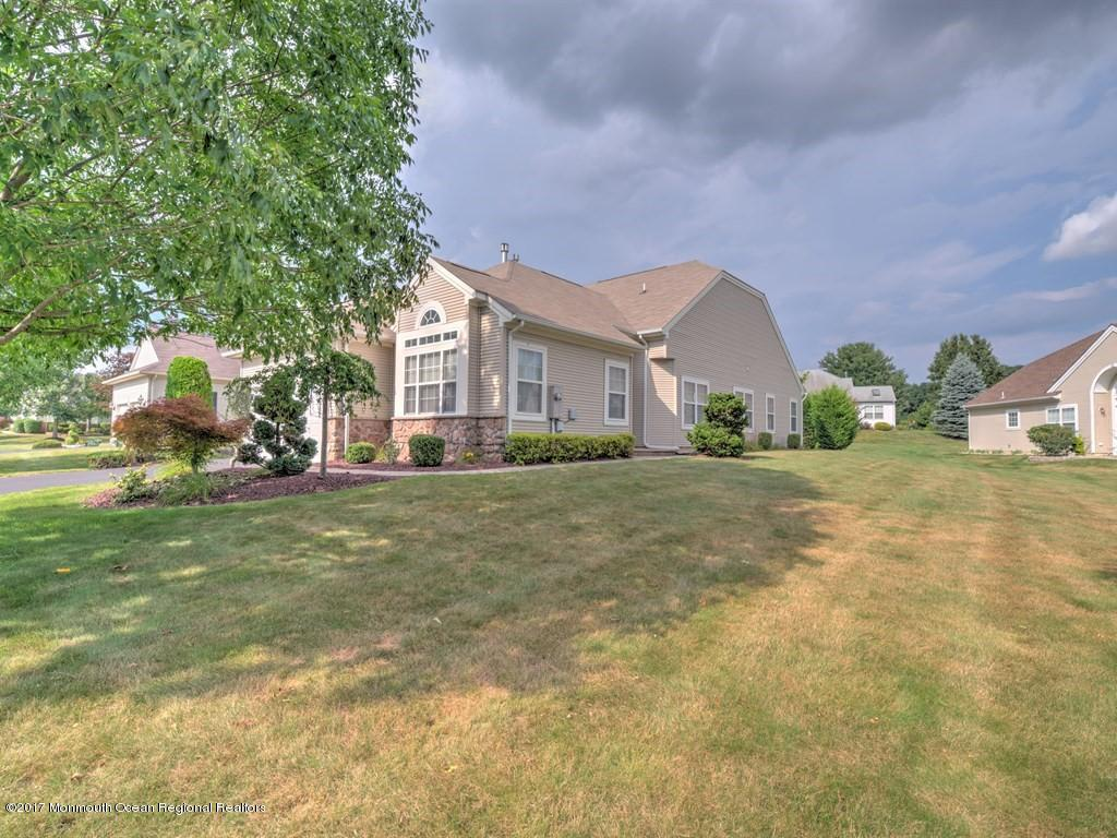 3  Clydesdale Court,  Manalapan, NJ