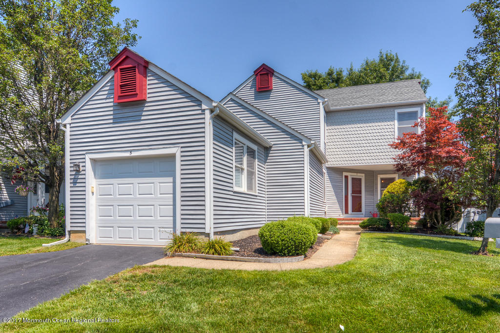 5  Turnberry Circle,  Toms River, NJ