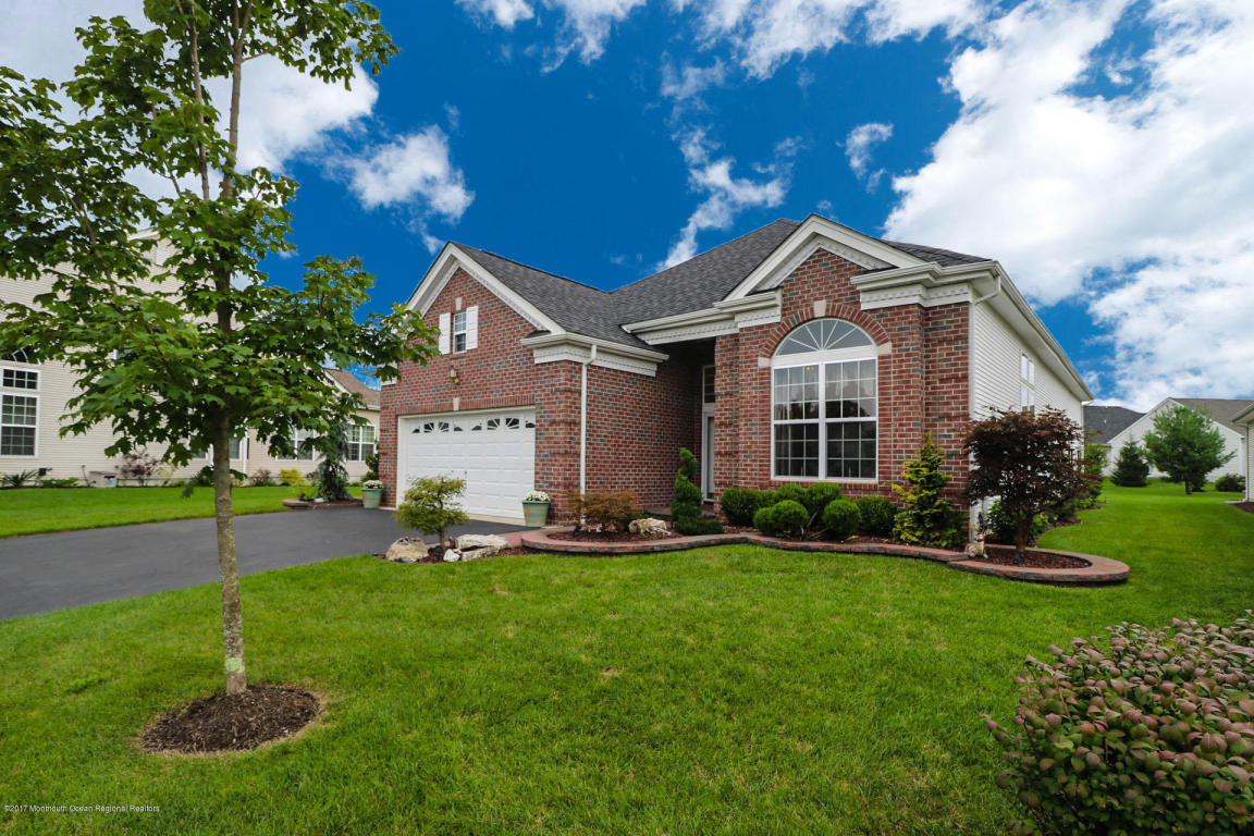 10  Harrow Court,  Jackson, NJ