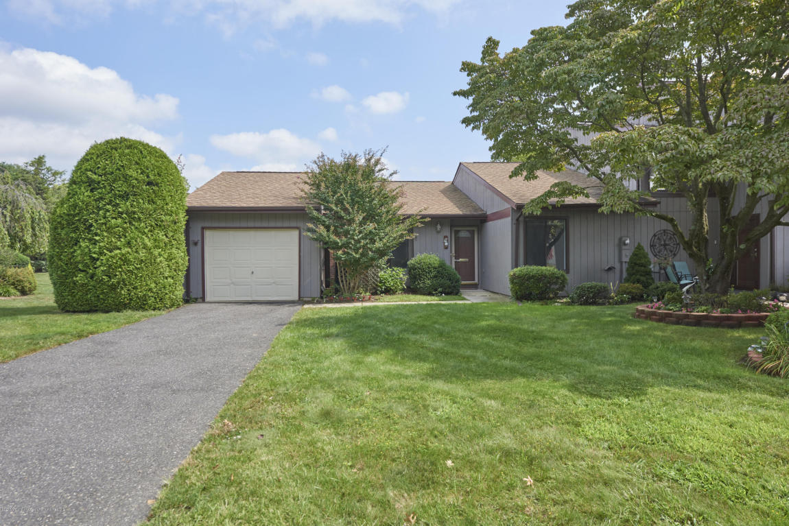 22  Concord Court,  Middletown, NJ