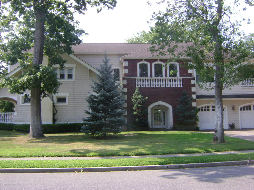 23  Westra Street,  Interlaken, NJ