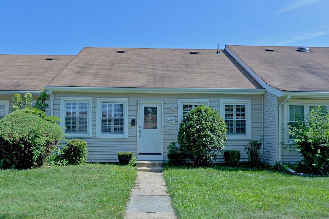 121  Muhlen Platz,  Howell, NJ