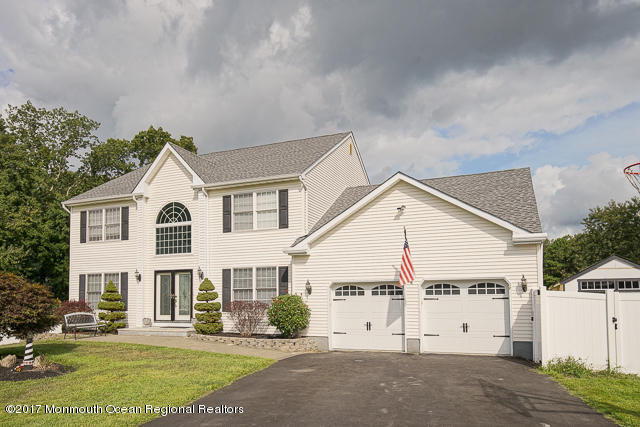 19  Coral Drive,  Howell, NJ