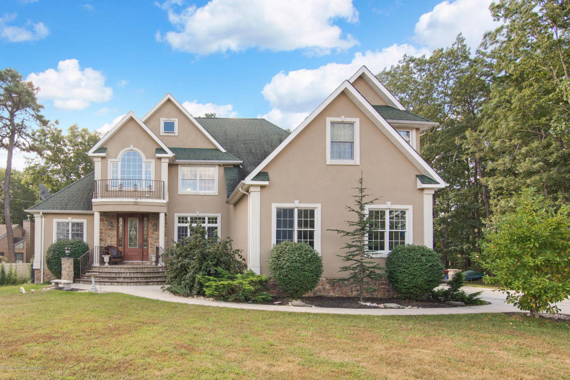 107  Serpentine Drive,  Bayville, NJ