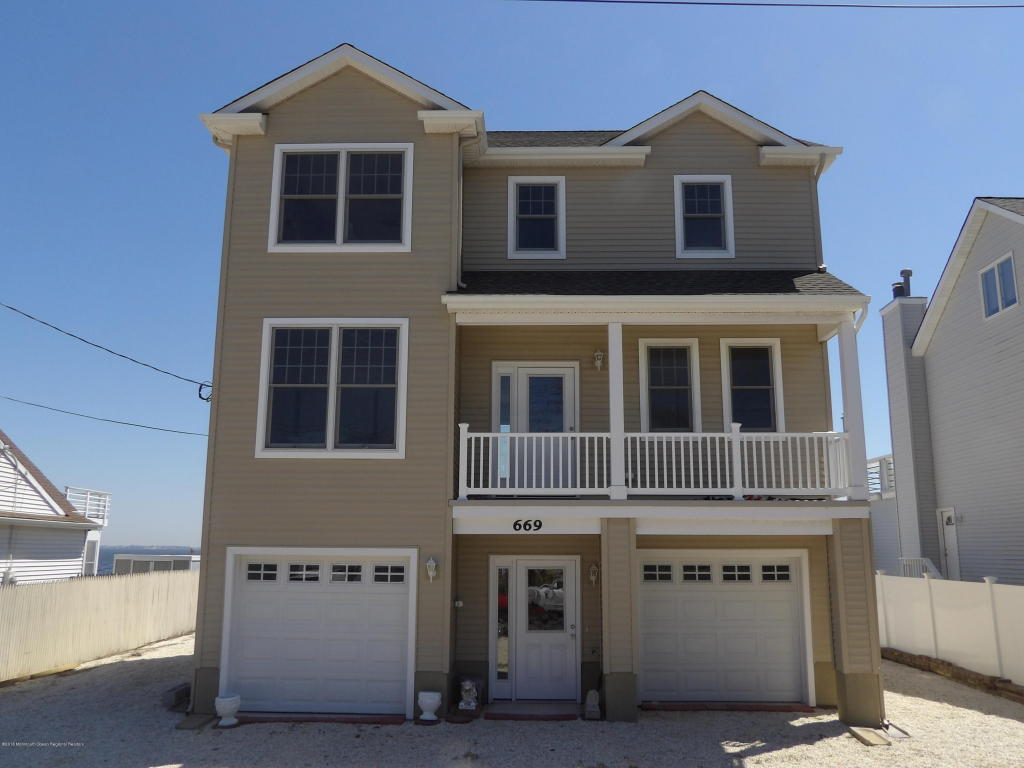 669  Bayview Drive,  Toms River, NJ