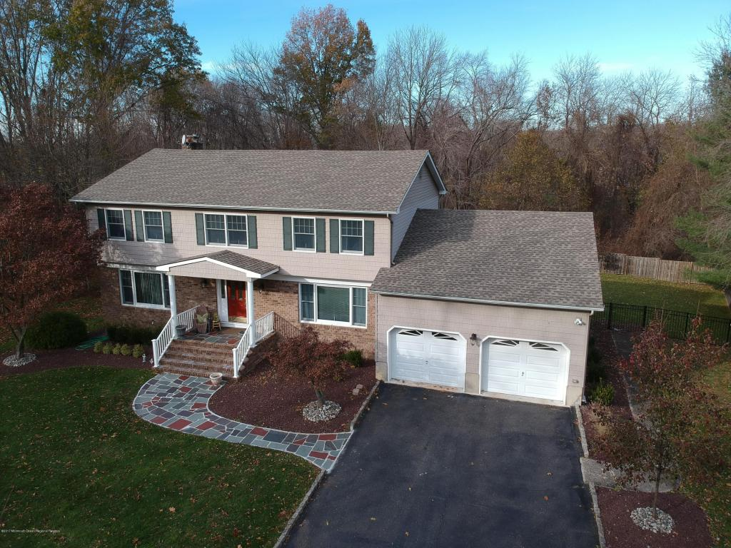 48  Thomas Drive,  Manalapan, NJ