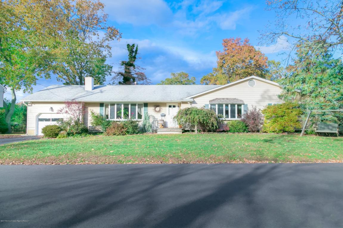 548  Robinhood Road,  Brick, NJ