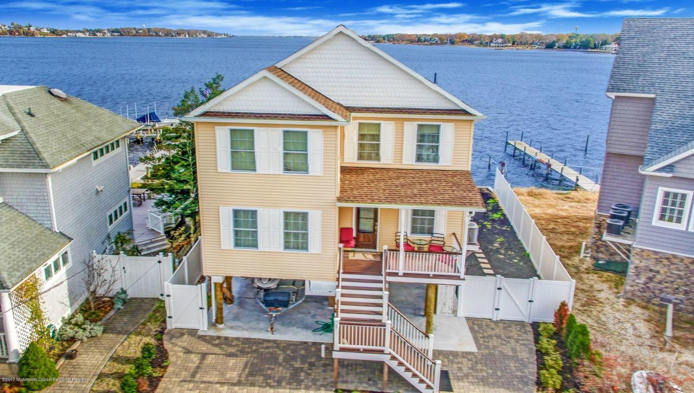 5  Haines Cove Drive,  Toms River, NJ
