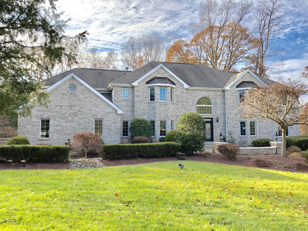1  Fountayne Lane,  Manalapan, NJ