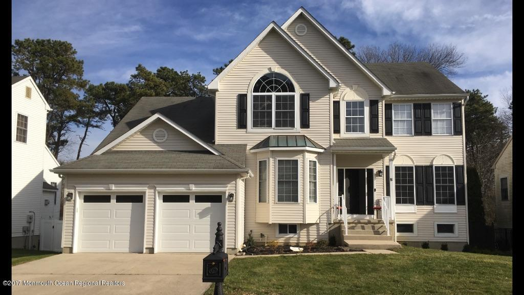 5  Clearbrook Court,  Howell, NJ