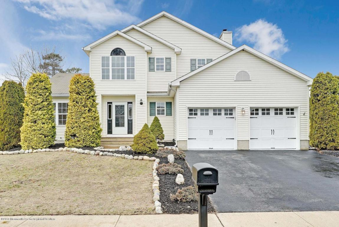 4  Rainbow Drive,  Howell, NJ