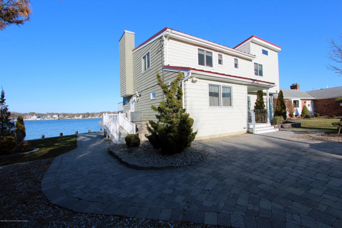 32  Cove Road,  Bayville, NJ