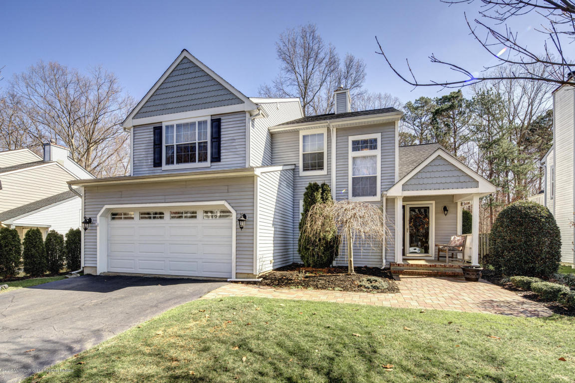10  Spruce Hollow Drive,  Howell, NJ