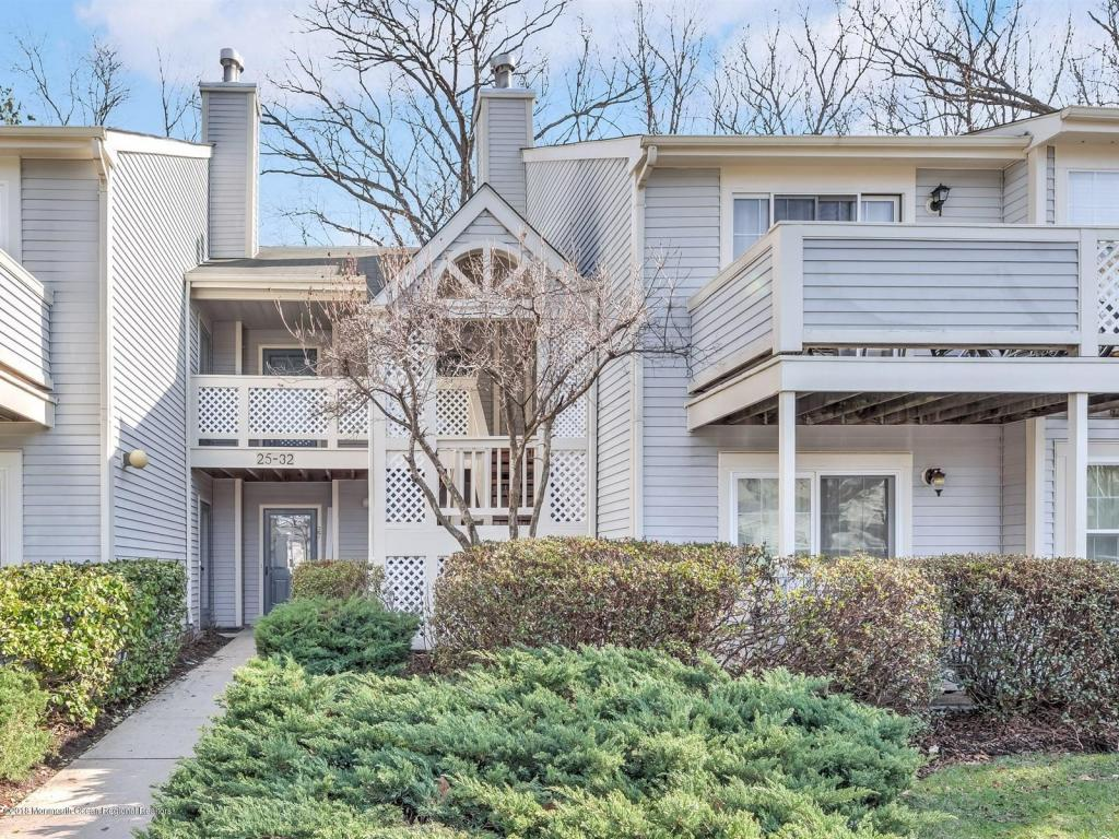 31  Chinkaberry Court,  Howell, NJ
