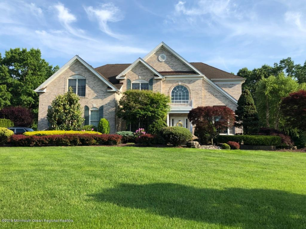 18  Mackenzie Court,  Howell, NJ