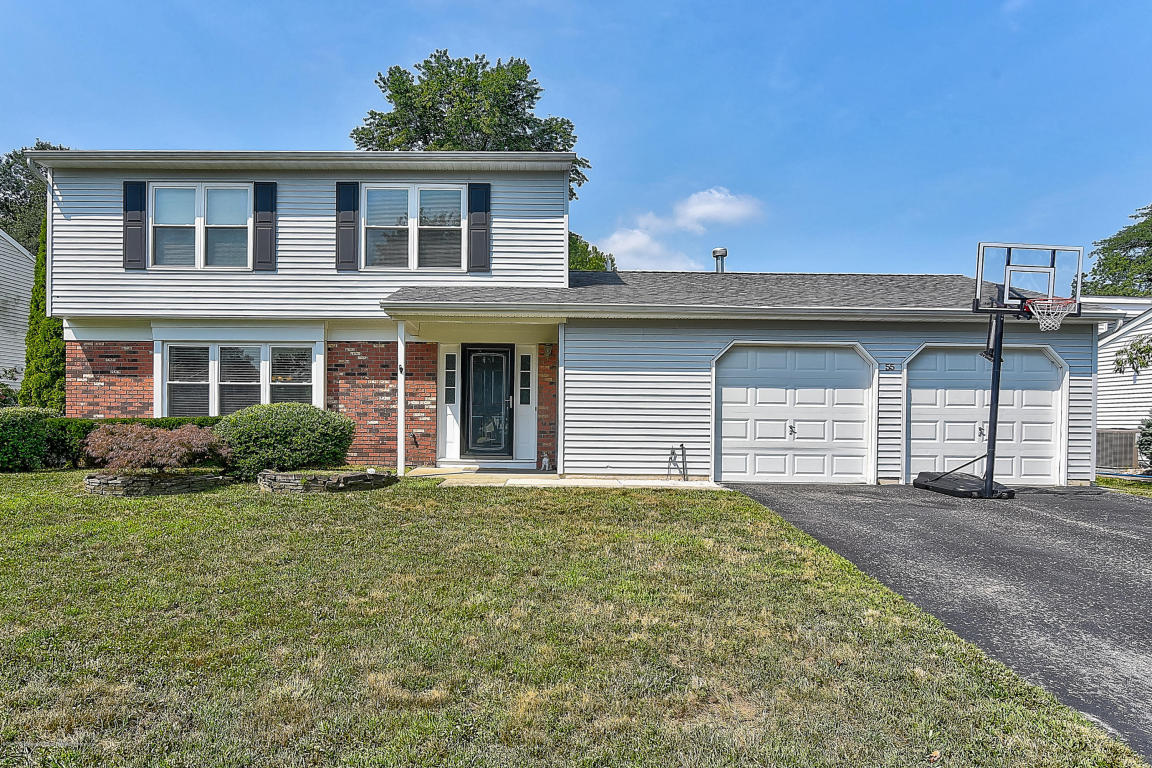 55  Sweetbriar Trail,  Howell, NJ