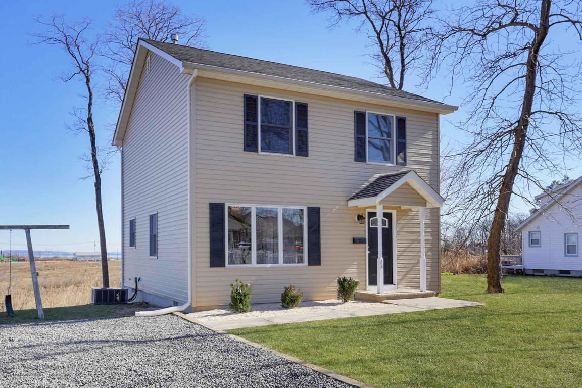 44  Ravine Way,  Keyport, NJ