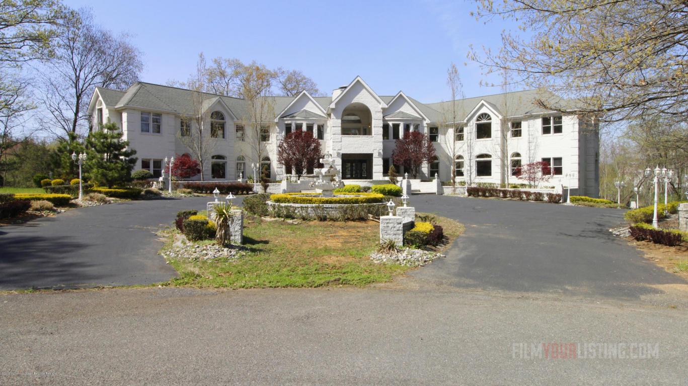 7  Walden Court,  Manalapan, NJ