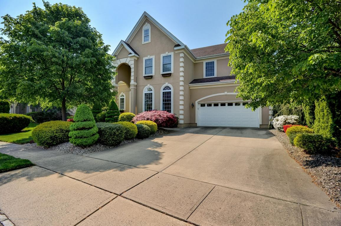 40  Arrowwood Court,  Howell, NJ