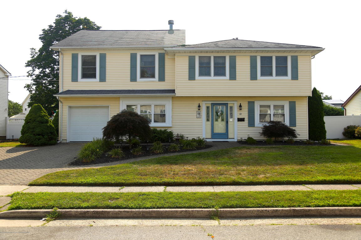12  Kerry Drive,  Hazlet, NJ