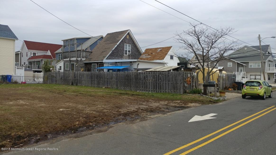 1715  Central Avenue,  Ortley Beach, NJ