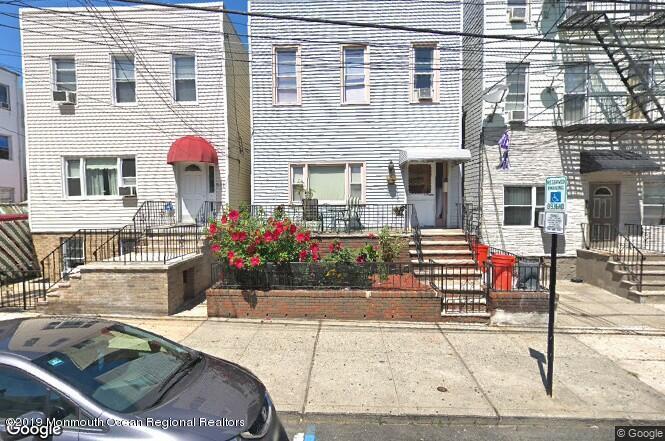516  18th Street,  Union City, NJ