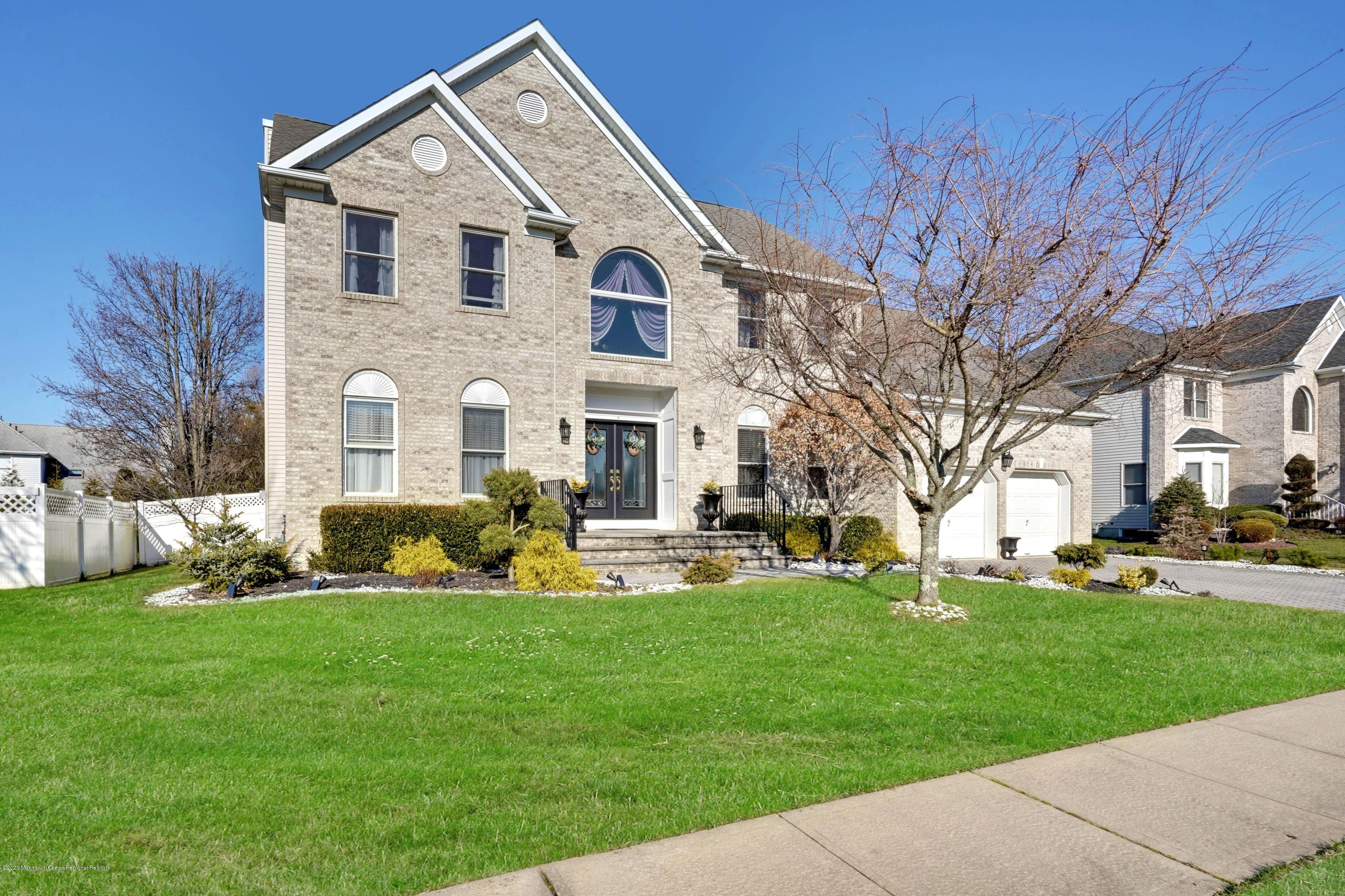 5  Bloomfield Road,  Manalapan, NJ
