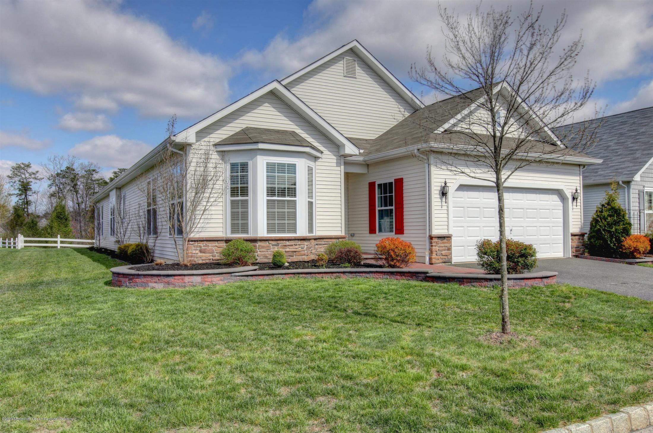 53  Eagle Ridge Circle,  Lakewood, NJ