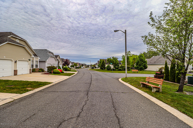 13  Greenridge Drive,  Manahawkin, NJ