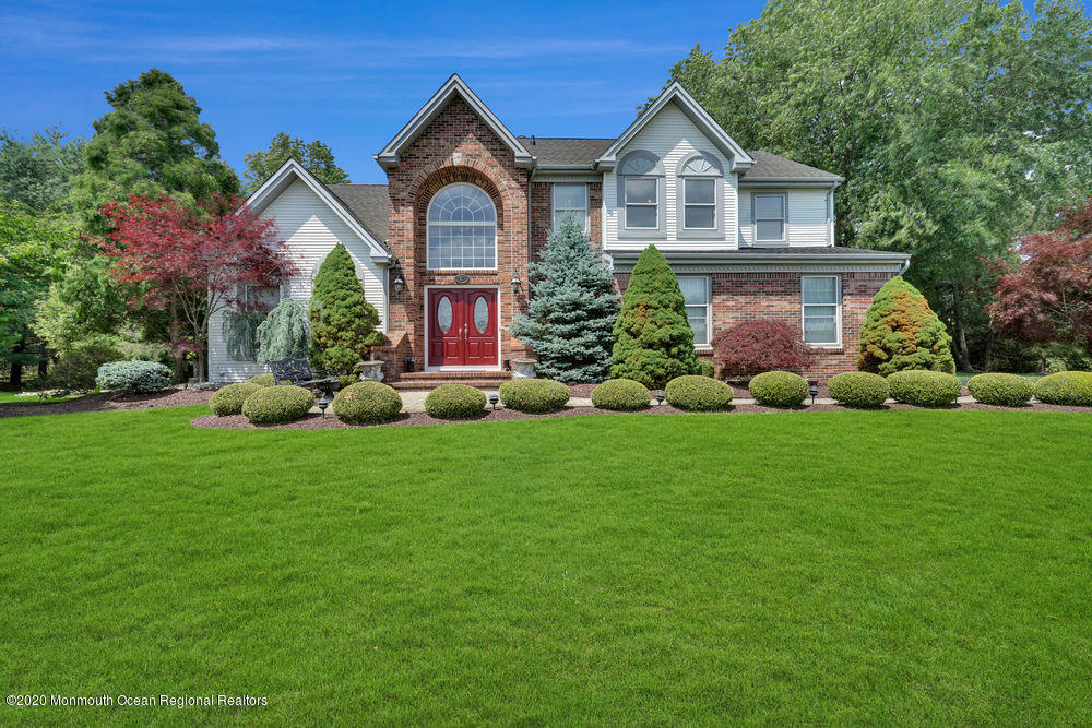 37  Hampton Hollow Drive,  Millstone, NJ