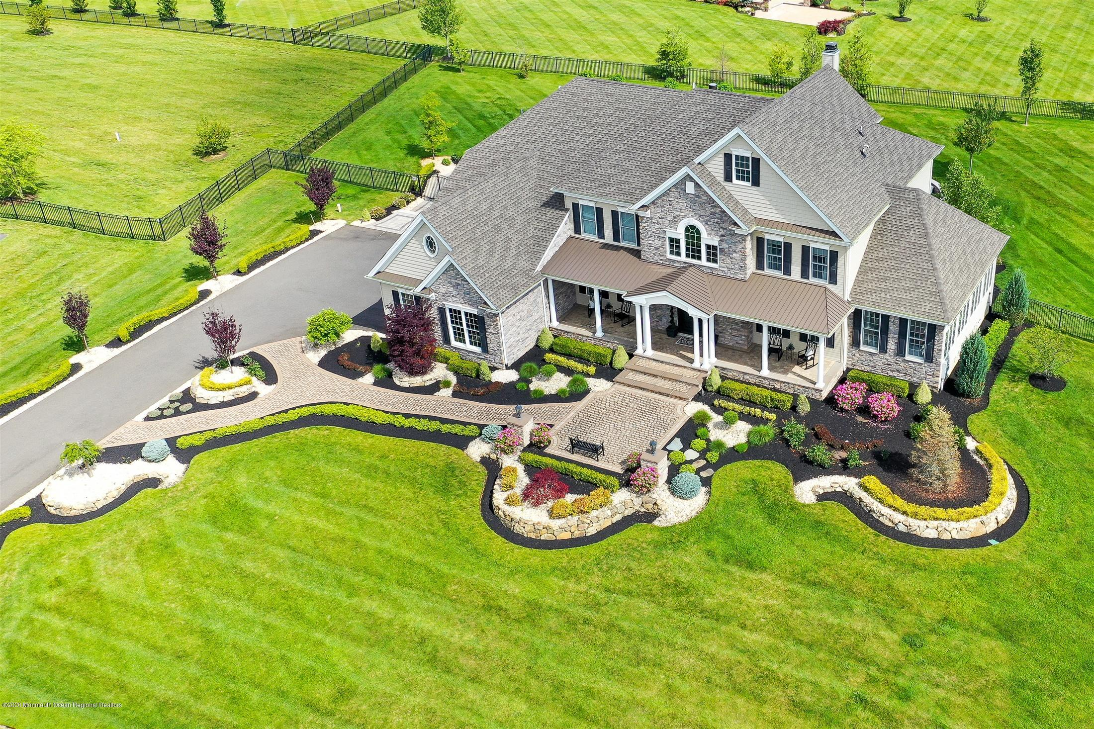 35  Weathervane Circle,  Cream Ridge, NJ