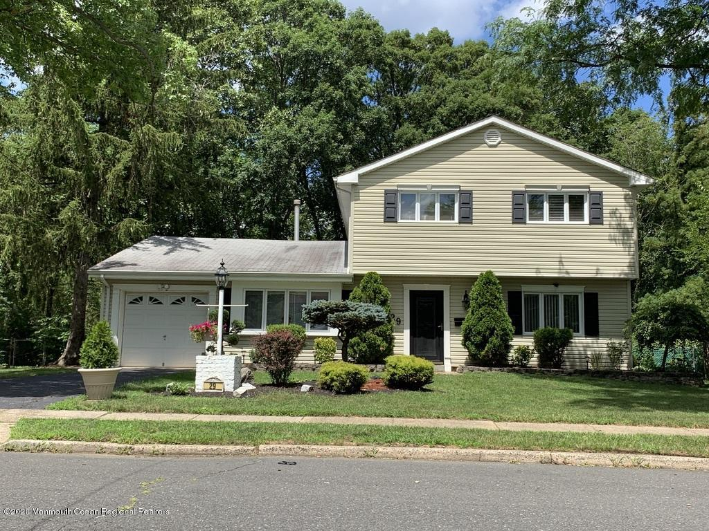 29  Carlow Way,  Hazlet, NJ