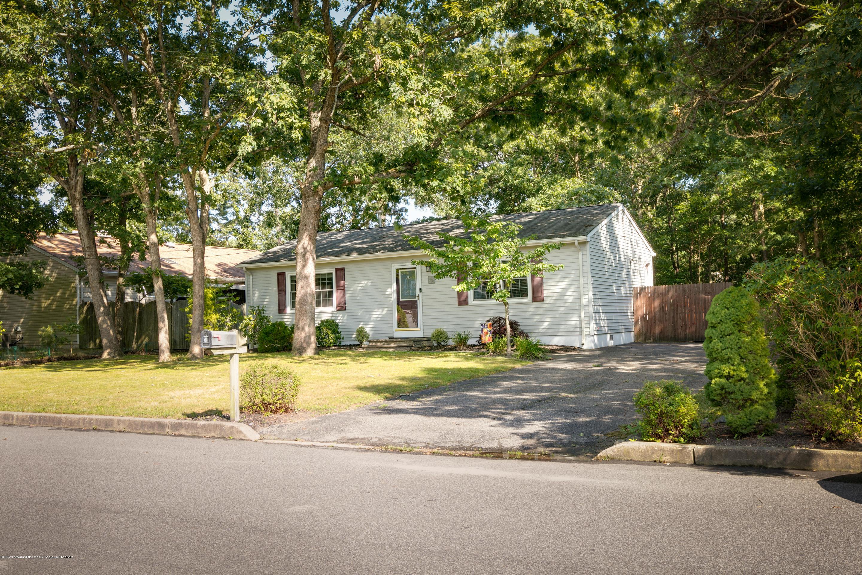 157  Inlet Avenue,  Manahawkin, NJ