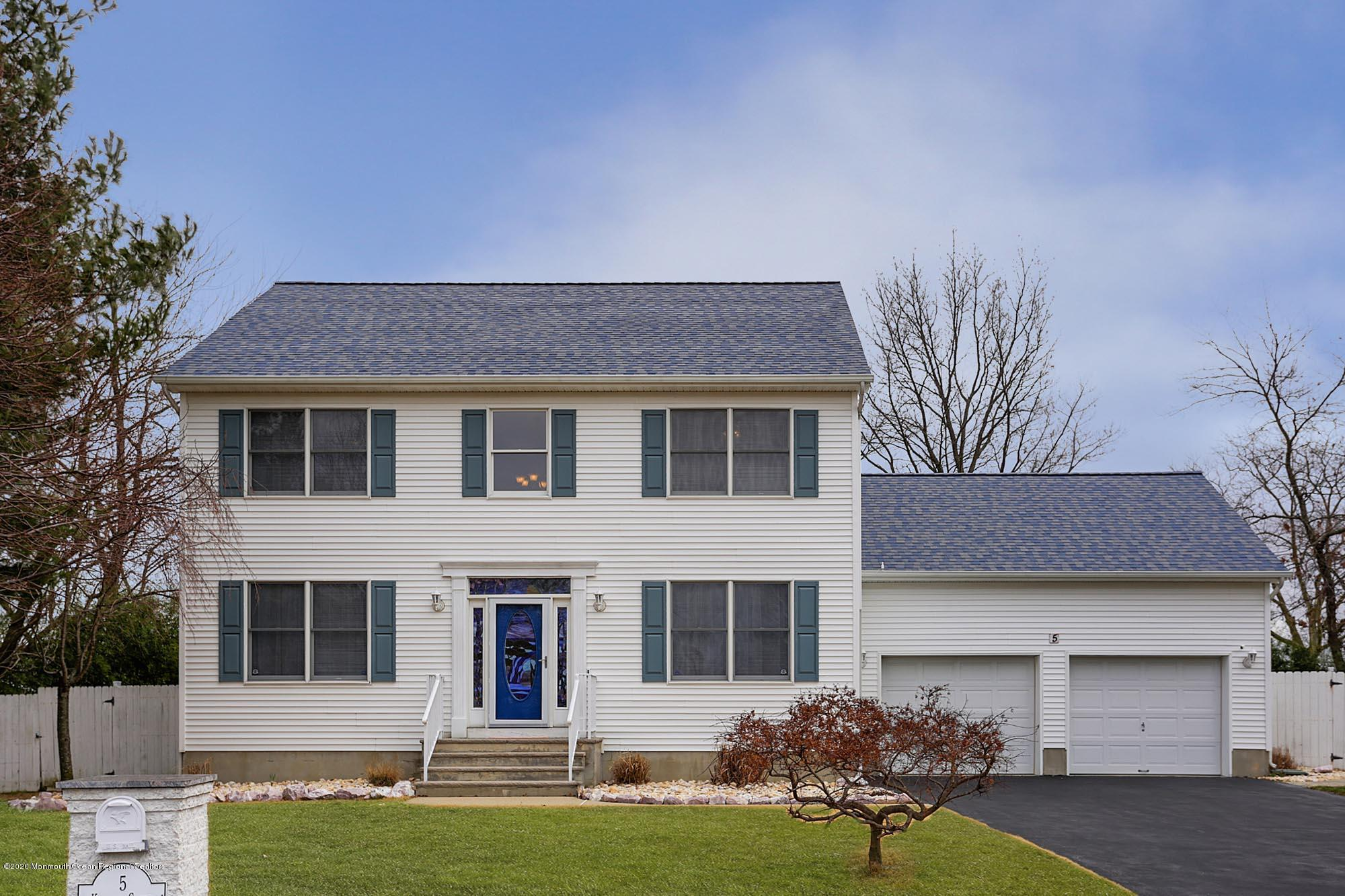 5  Kailley Court,  Hazlet, NJ