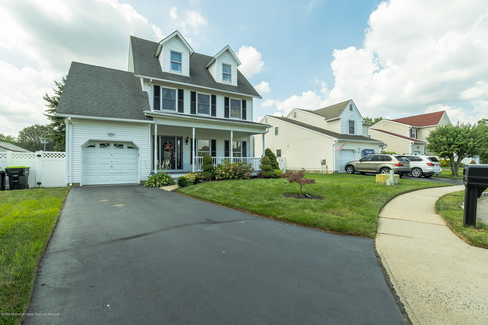 8  Dana Court,  Hazlet, NJ