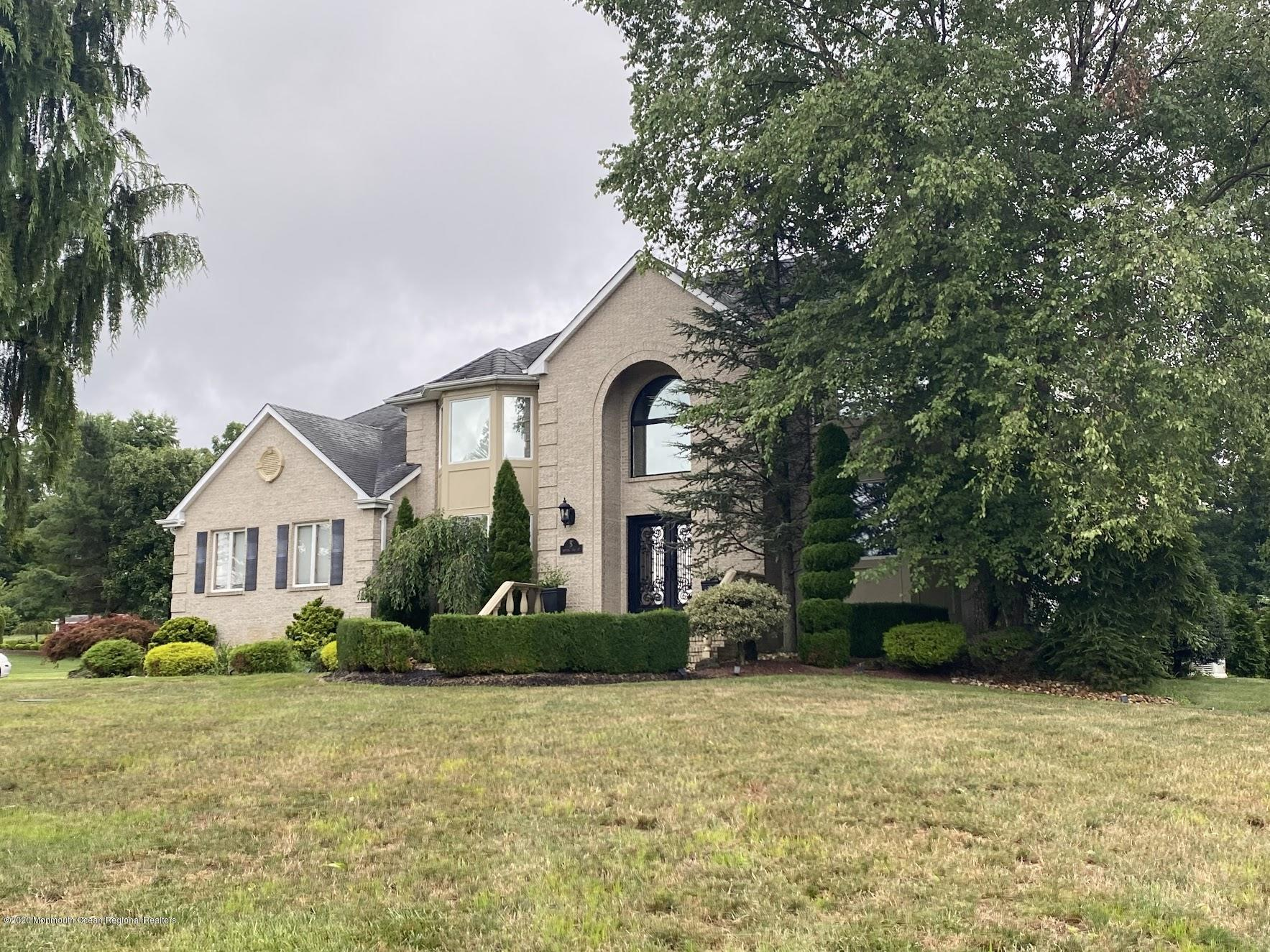 5  Nottinghill Court,  Manalapan, NJ