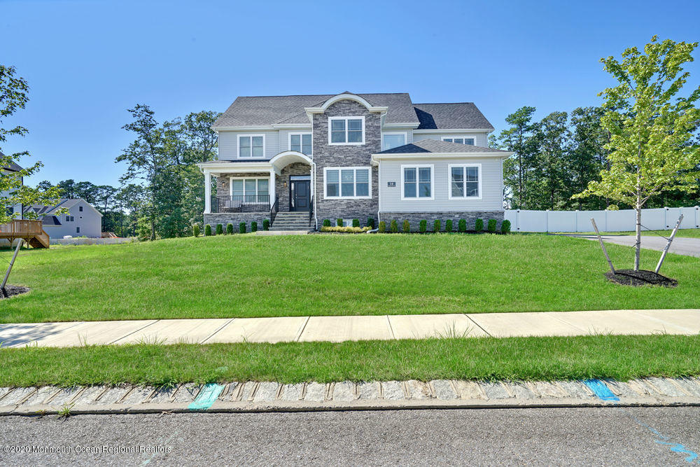 8  Royal Grove Drive,  Jackson, NJ