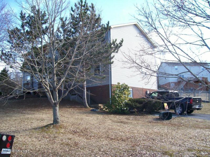 330  Warren,  Christiansburg, VA