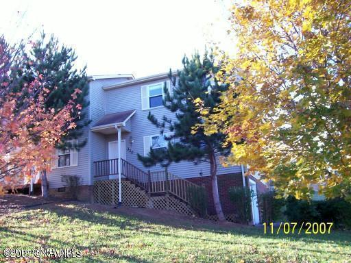 330  Warren,  Christiansburg, VA