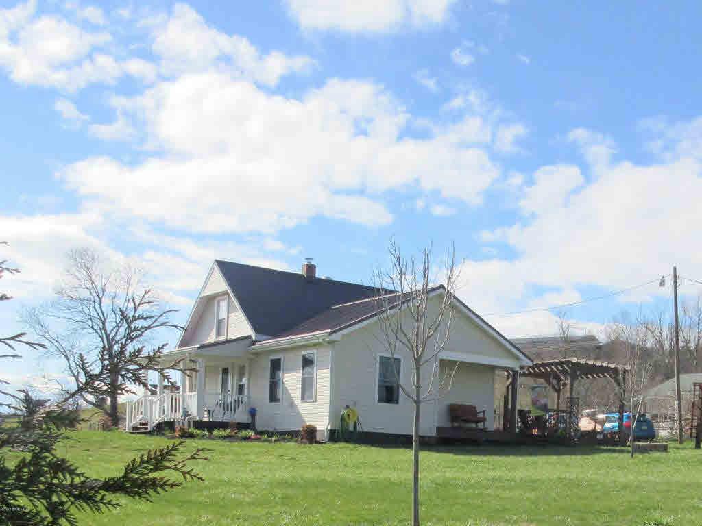 116  Halls,  Floyd, VA