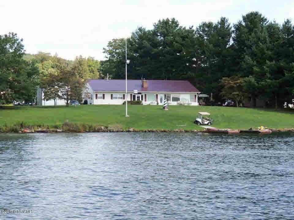 6778  Lake,  Radford, VA