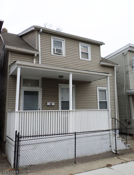 367  Sussex St,  Paterson City, NJ