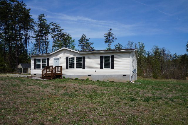 2748  Stagecoach Road,  Farmville, VA