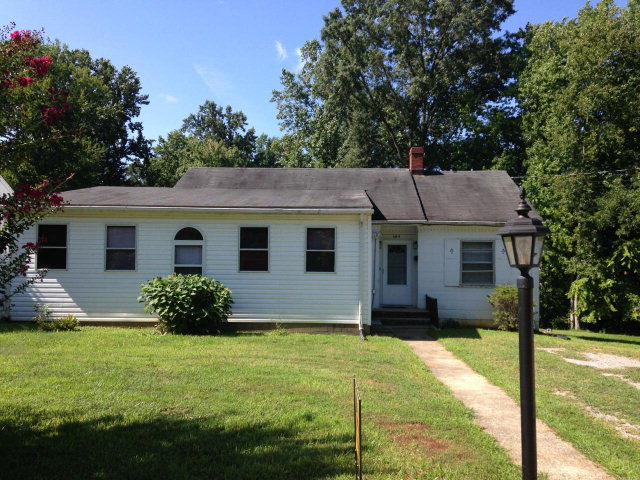 603  Longwood Ave.,  Farmville, VA